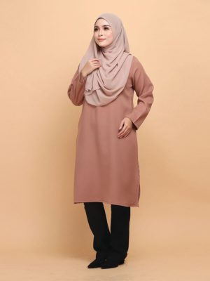Raeesa Long Top in Dirt Brown